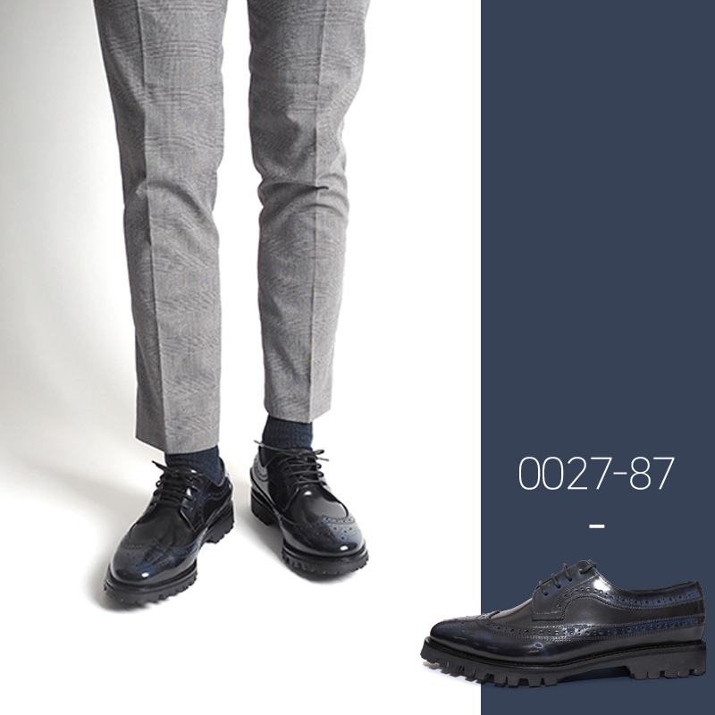 0027-87 / Navy Two-Tone CB / Walker 05 / C2